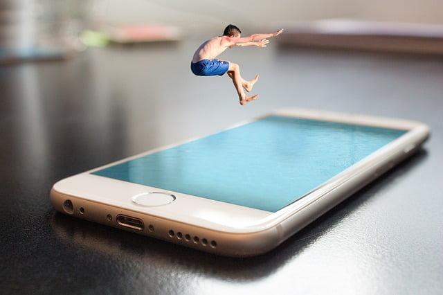 L'iPhone si vende sempre